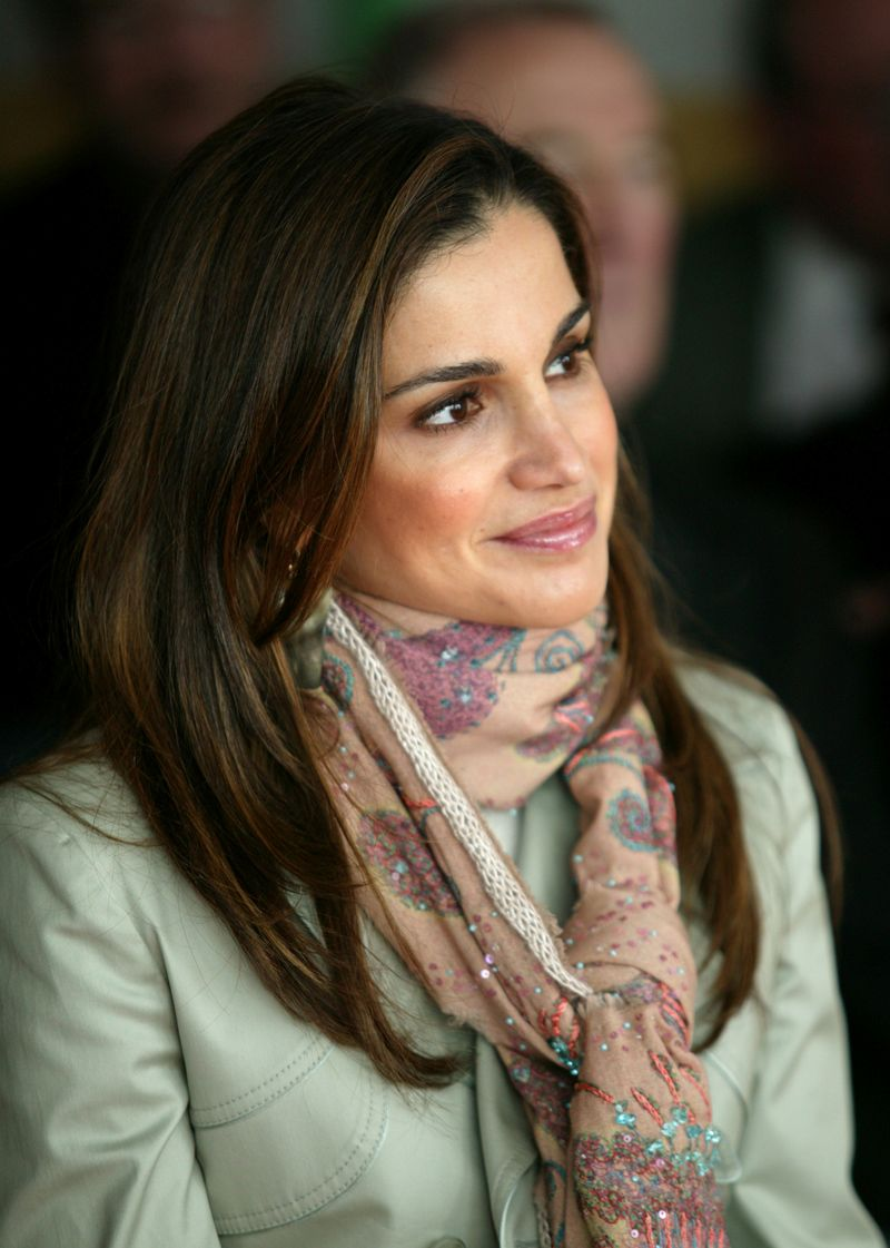 queen rania Queen rania of jordan brought her typically understated style for her second visit to the white house in the last 14 months.