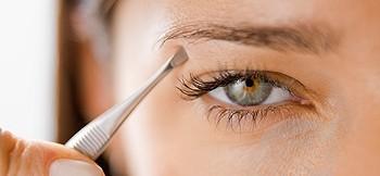 Eyebrow-Plucking-8